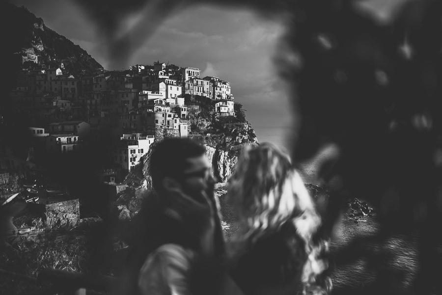 wedding proposal photographer cinque terre italy 1009