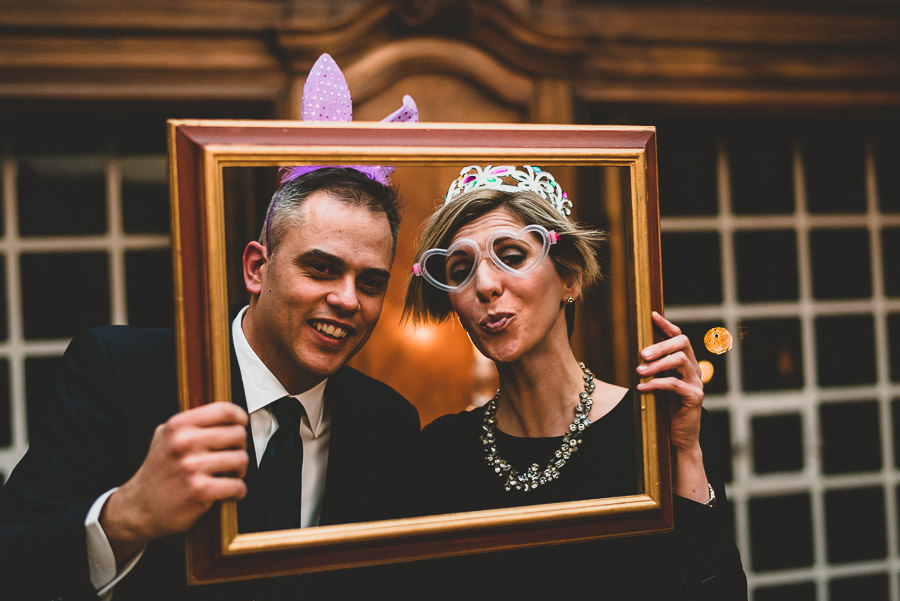 Funny Creative winter wedding in Florence
