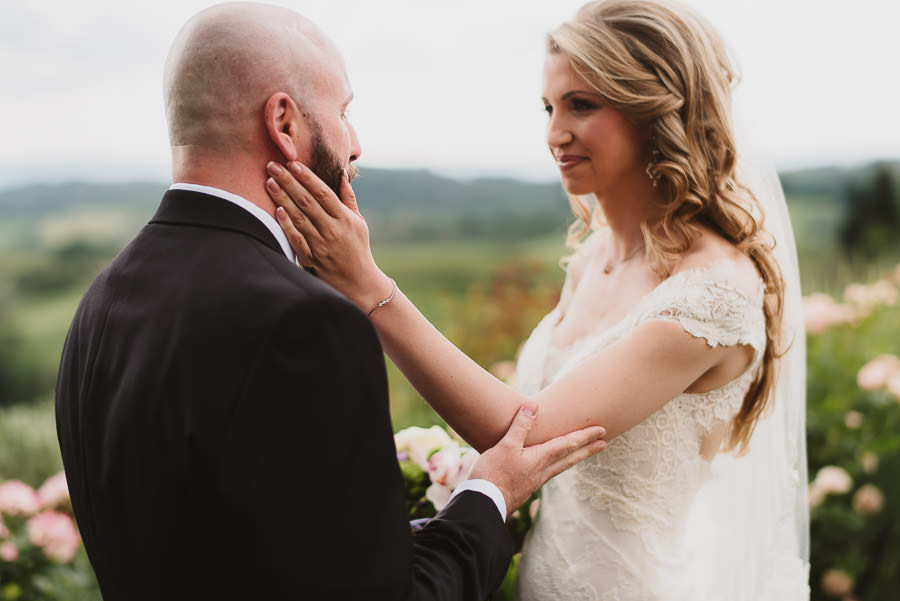 Romantic Italian elopement in Tuscany Photo / first look
