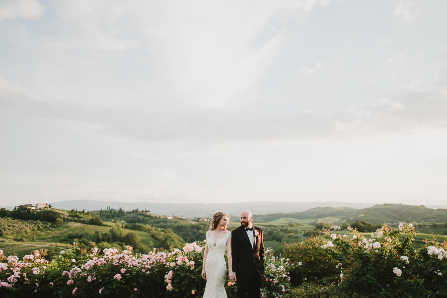 ment in Tuscany / bridal couple creative portraitr