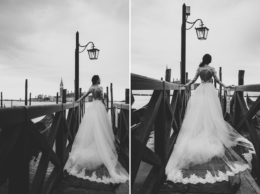 venice wedding photographer / bride portrait with gondolas