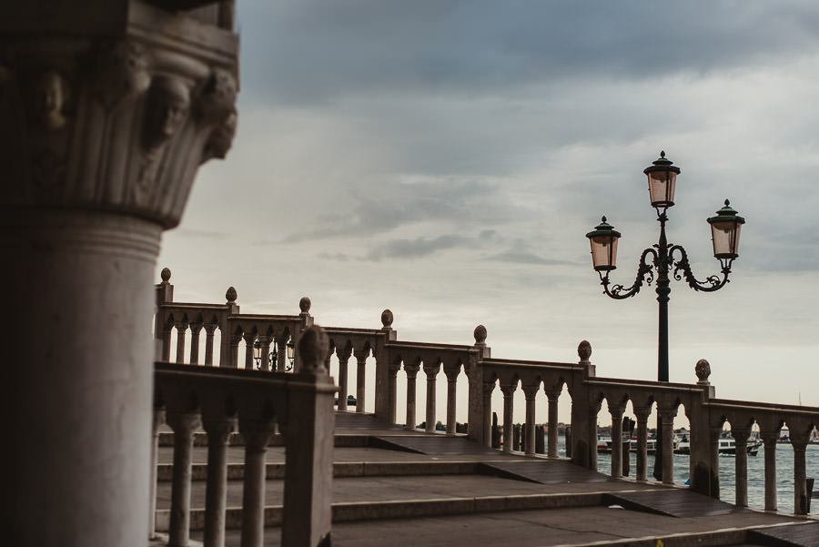 Venice photographer / Sunrise in Piazza San Marco on Gondolas