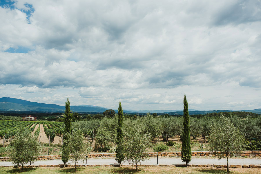 italian style outdoor wedding ceremony in tuscany