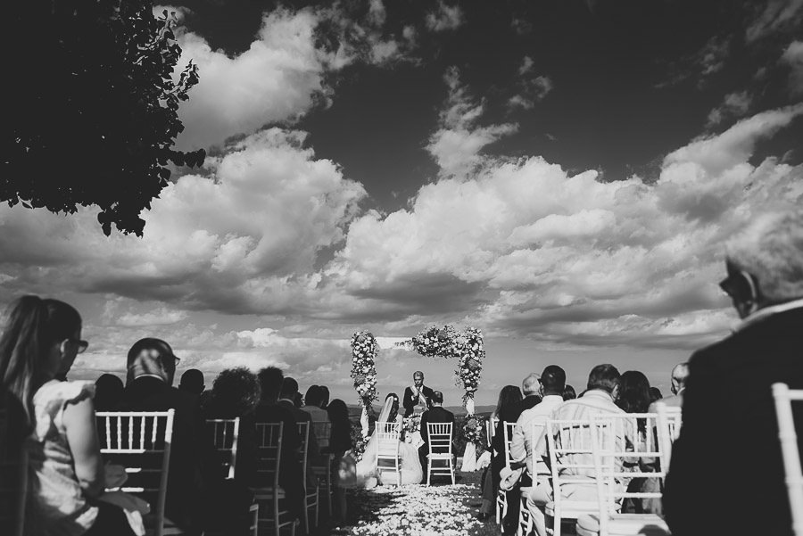 italian style outdoor wedding ceremony, open field ceremony