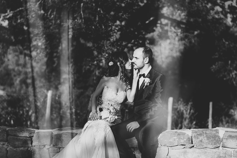 italian style outdoor wedding ceremony, bridal couple love lsess