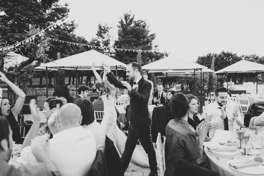 italian style outdoor wedding ceremony, wedding dinner