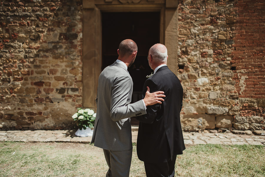 relaxed countryside wedding tuscany one lens photography 1046