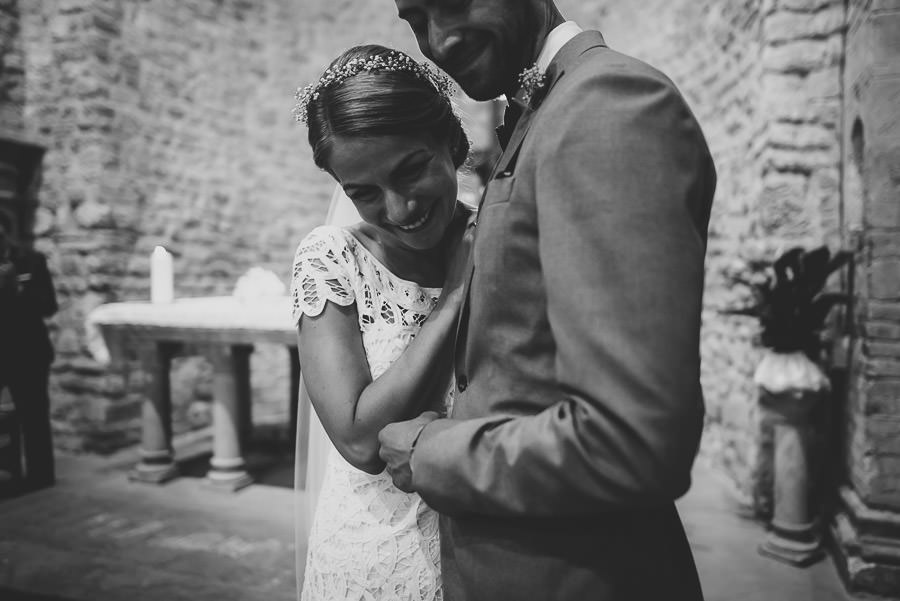 relaxed countryside wedding tuscany one lens photography 1070