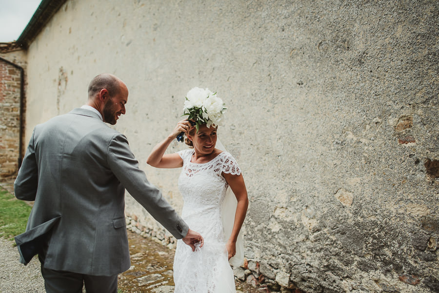 relaxed countryside wedding tuscany one lens photography 1083