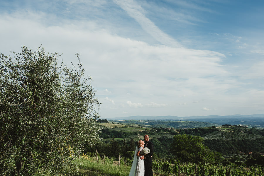 relaxed countryside wedding tuscany one lens photography 1117