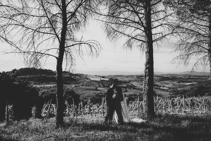 relaxed countryside wedding tuscany one lens photography 1126