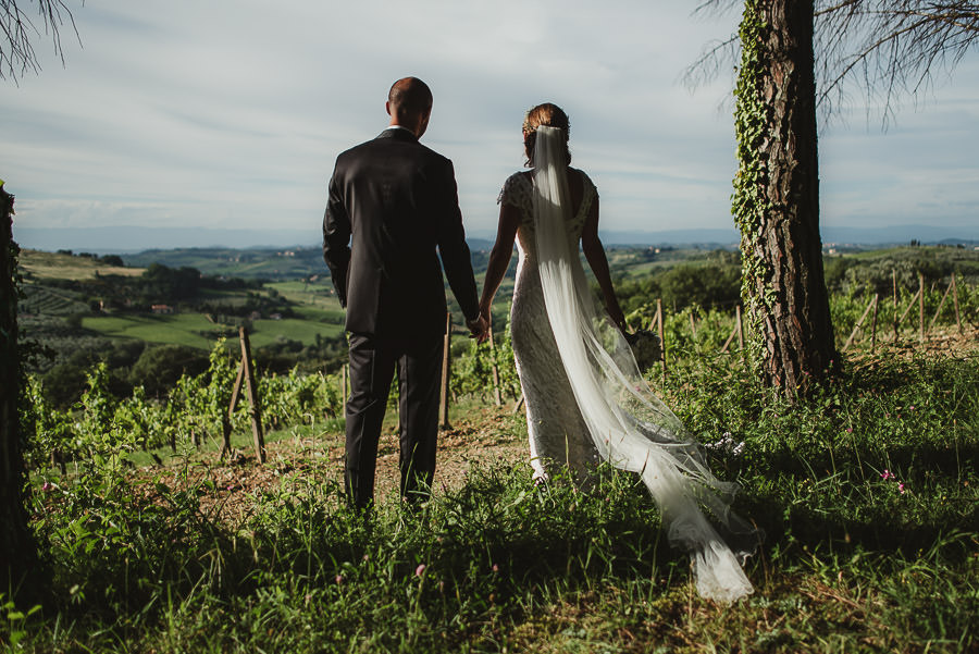 relaxed countryside wedding tuscany one lens photography 1127
