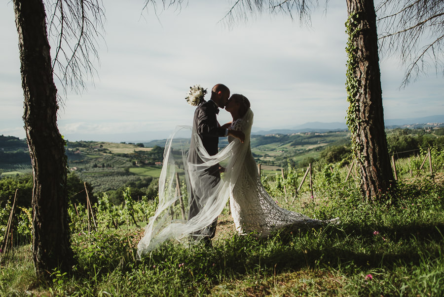 relaxed countryside wedding tuscany one lens photography 1128