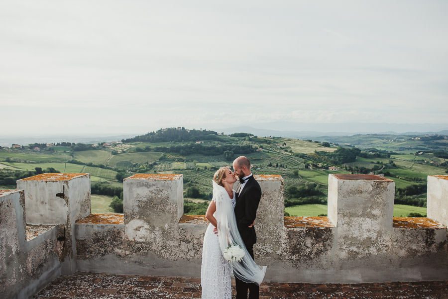 relaxed countryside wedding tuscany one lens photography 1135