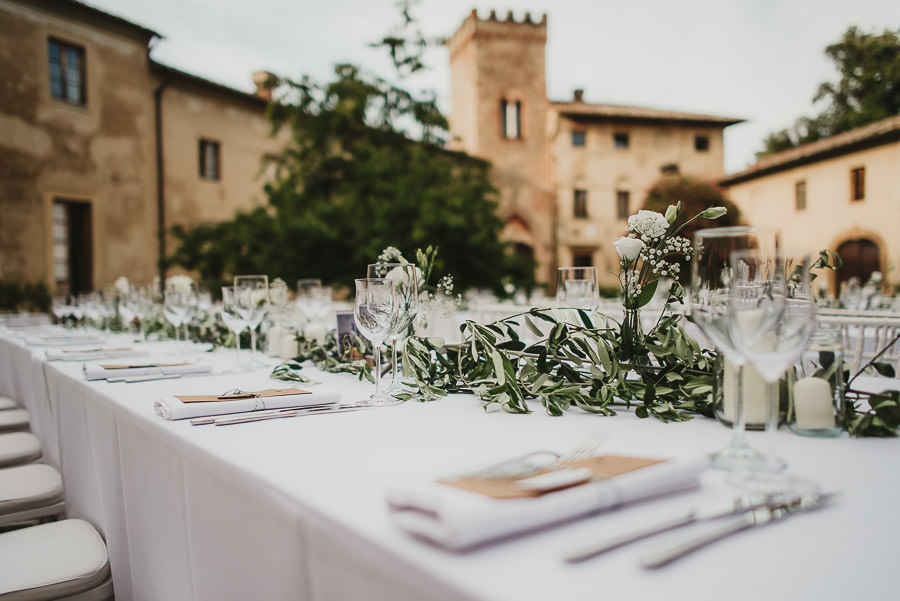 relaxed countryside wedding tuscany one lens photography 1141