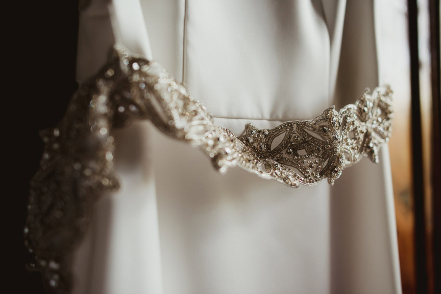 destination wedding in italy wedding dress and details photogra