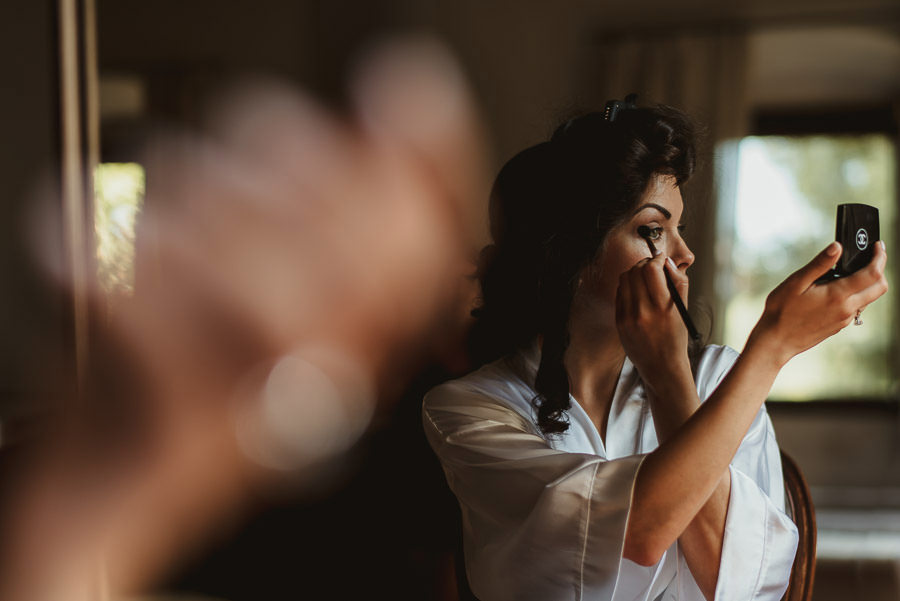 tuscany intimate wedding detail bride getting ready