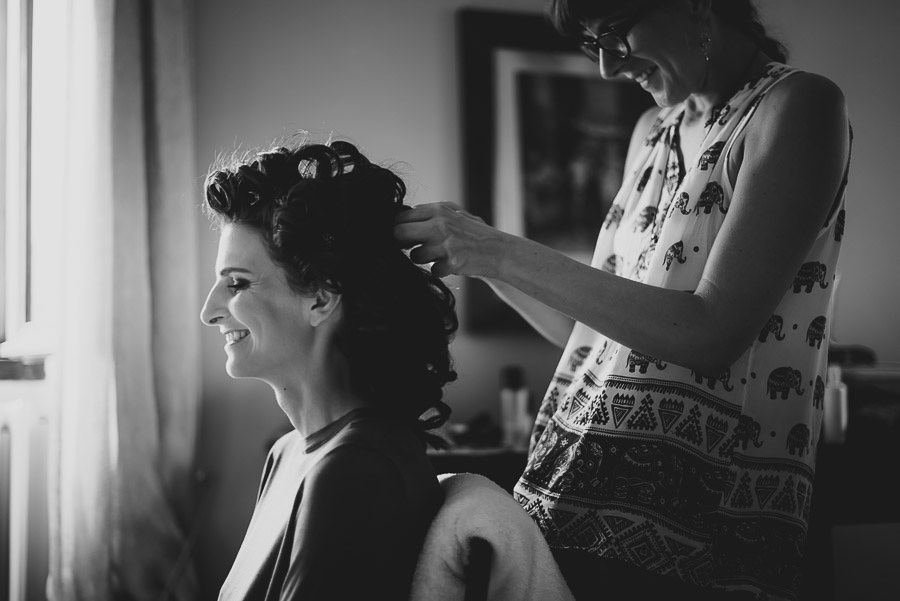Get Married in Tuscany bride getting ready