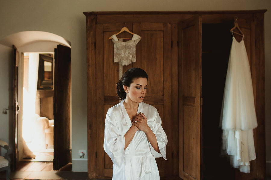 tuscany intimate wedding detail bride wearing wedding dress