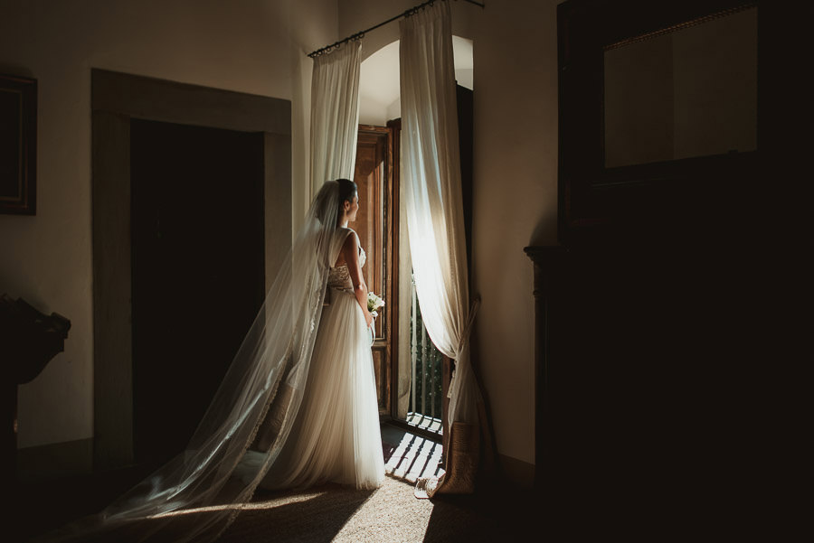 tuscany intimate wedding bride creative portrait