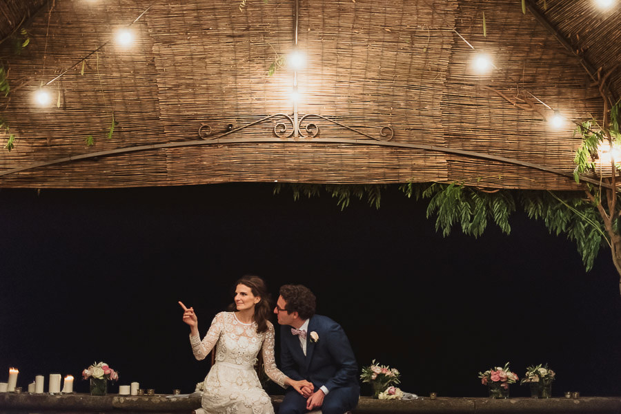 get married in Italy tuscany romantic bride groom moment