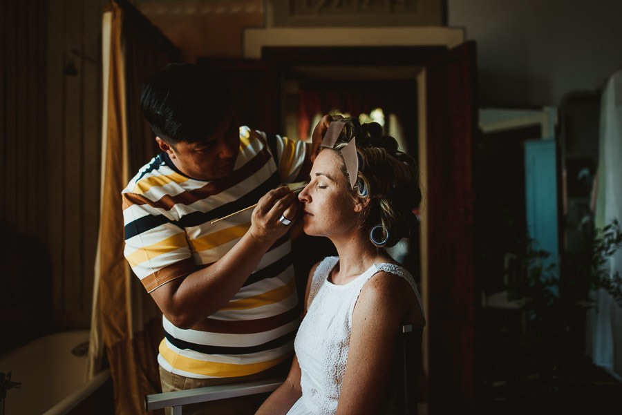 Borgo Sotmennano Wedding Photographer bride getting ready