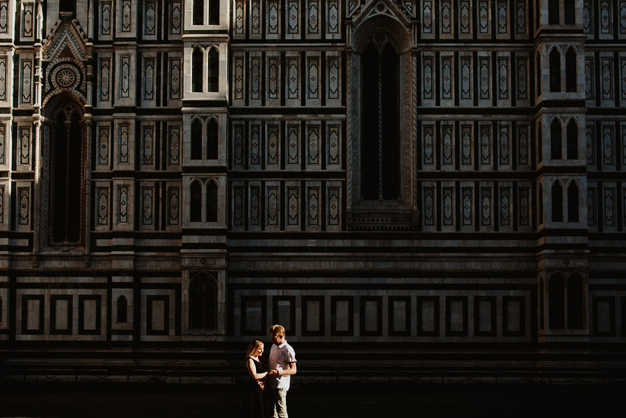 creative modern engagement photography in FLorence