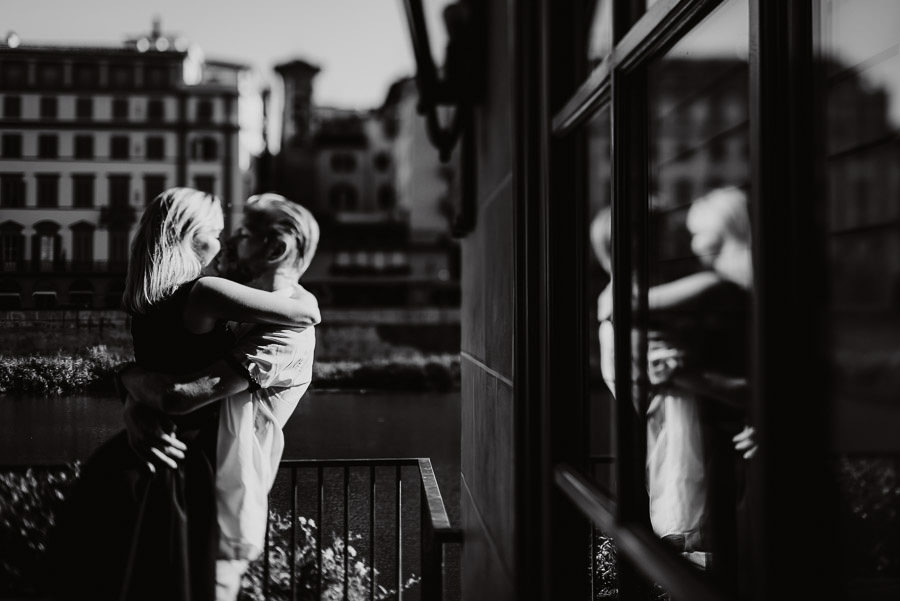 timeless relaxed engagement photography in FLorence
