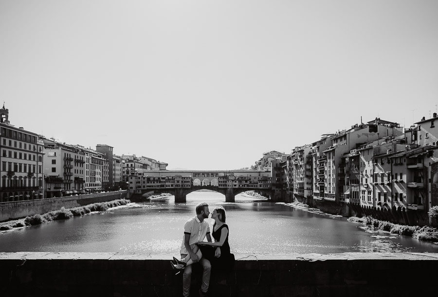 best light for engagement photography in florence