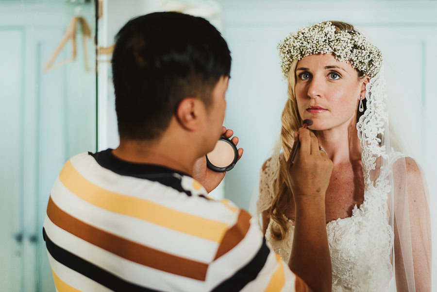 Borgo Sotmennano Wedding Photographer bride make up