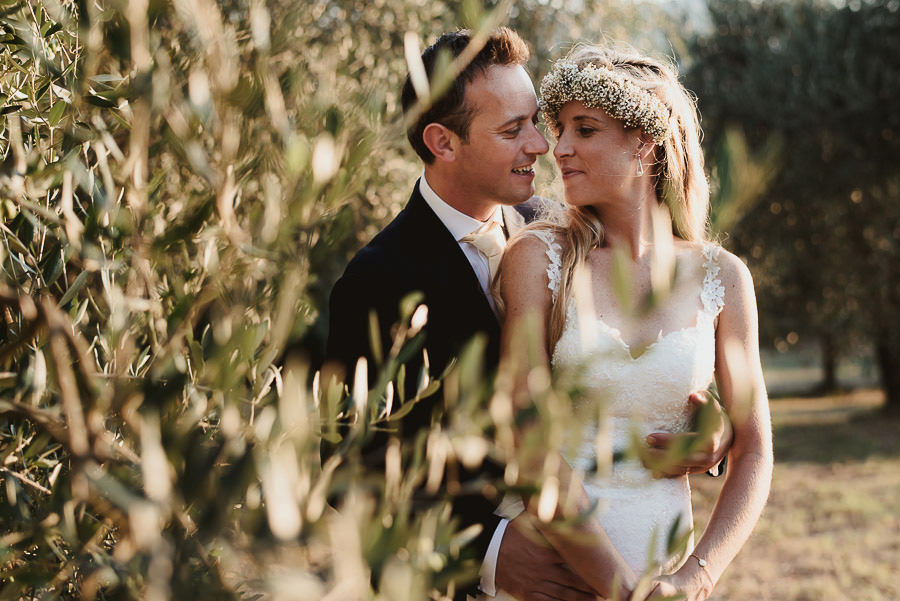 Borgo Sotmennano Wedding Photographer bride groom modern creati