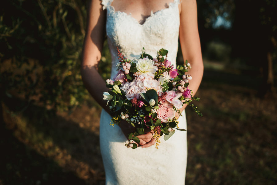 Borgo Sotmennano Wedding Photographer bridal flower bouquet