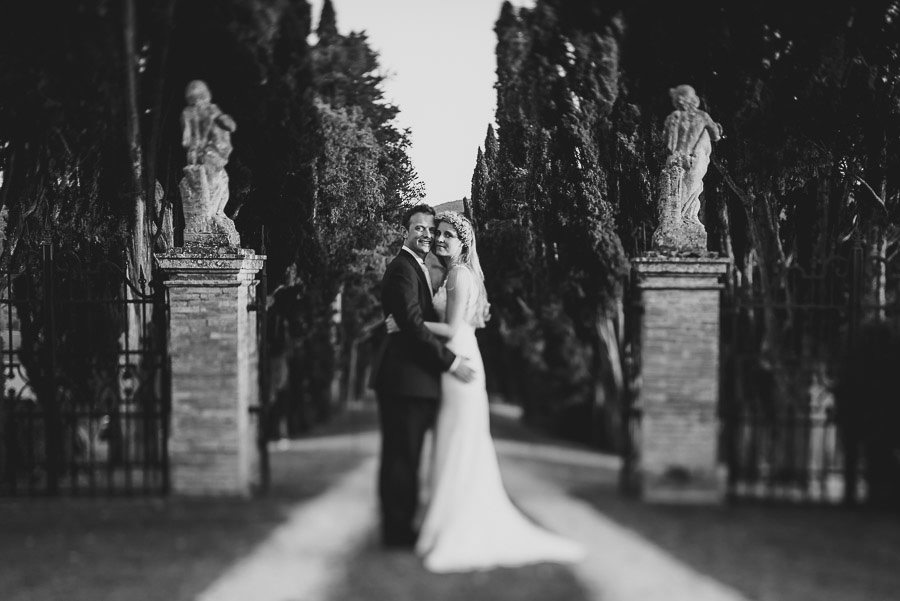 Borgo Sotmennano Wedding Photographer bride groom love session p