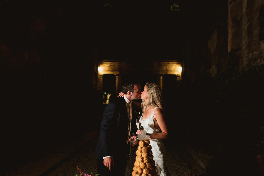 Borgo Sotmennano Wedding Photographer wedidng cake