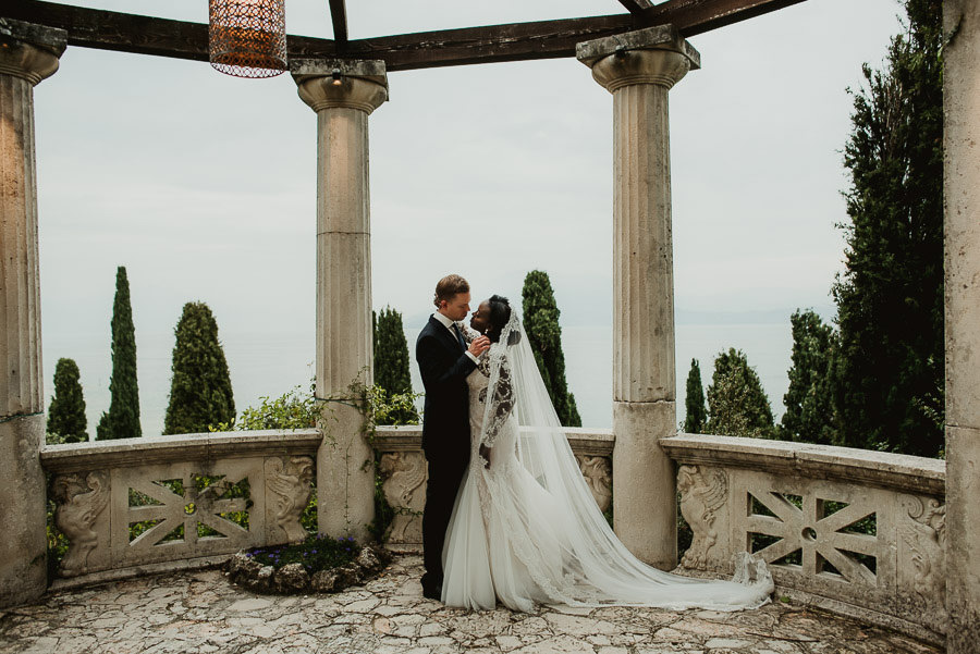 Sirmione Wedding photographer bride groom intimate portrait