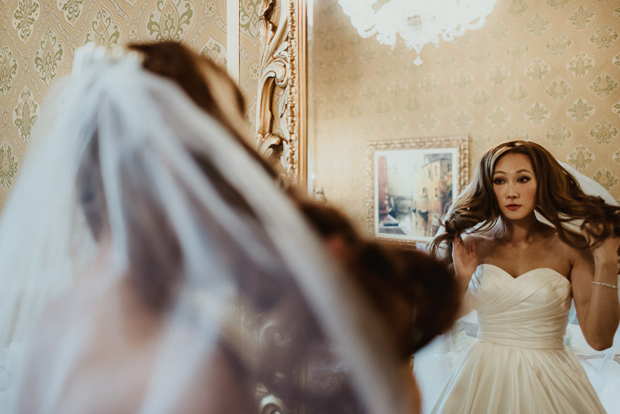 009 winter wedding in venice photography bride groom get ready luxury hotel