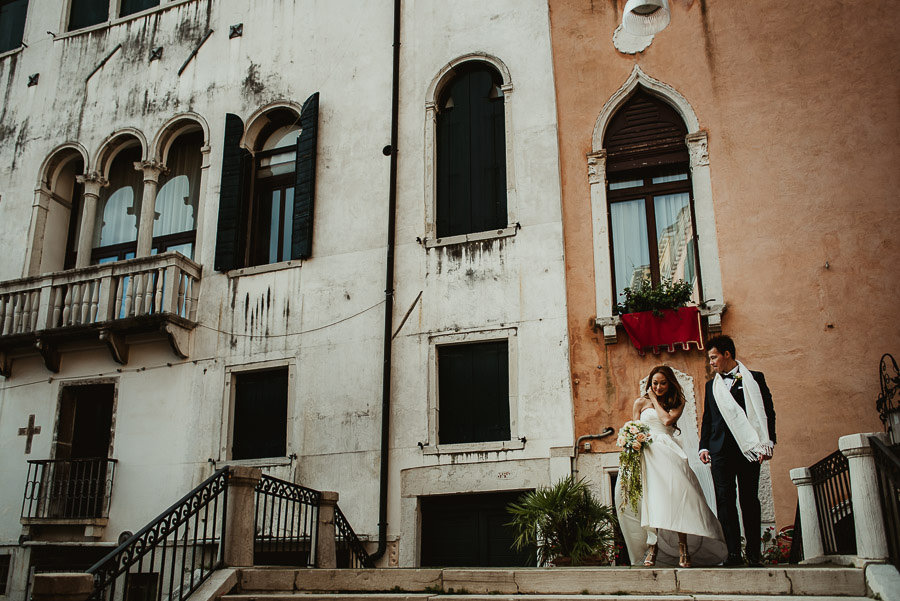 013 winter wedding in venice photography first look timeless