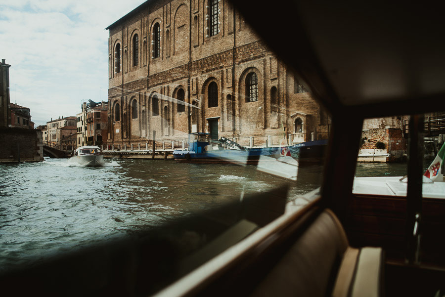 026 winter wedding in venice photography love boat trip