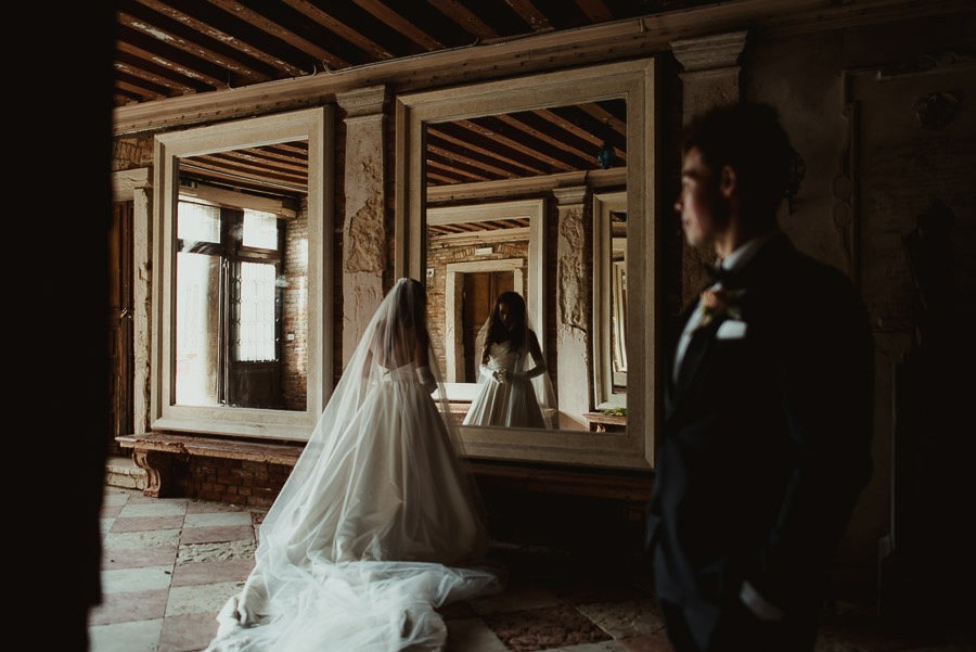 027 winter wedding in venice photography armeno moorat raphael mirror hall