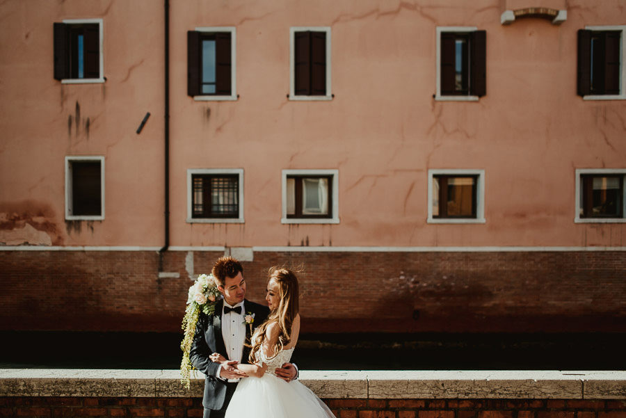 058 winter wedding in venice photography bride portrait