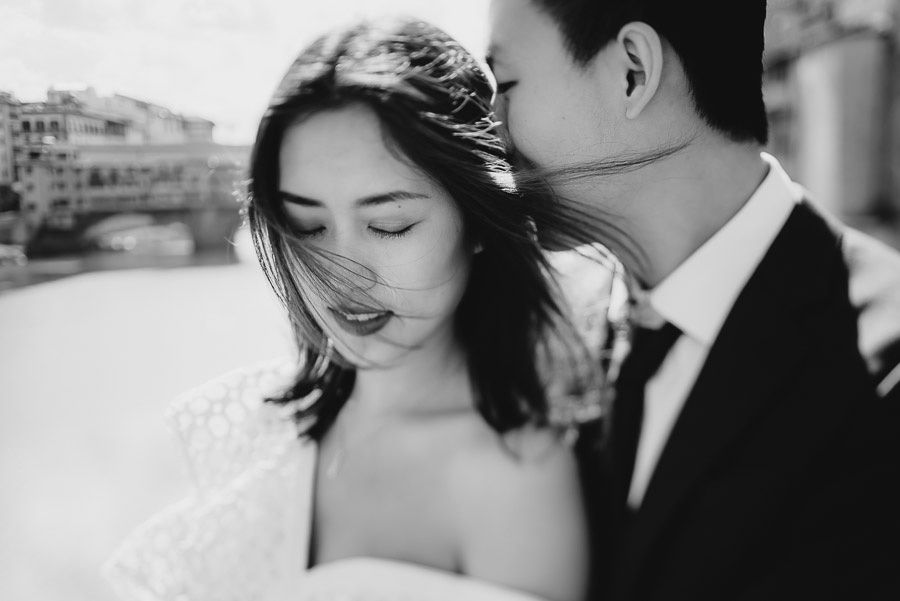 Pre Wedding Photography Italy Florence walking city lifestyle ph