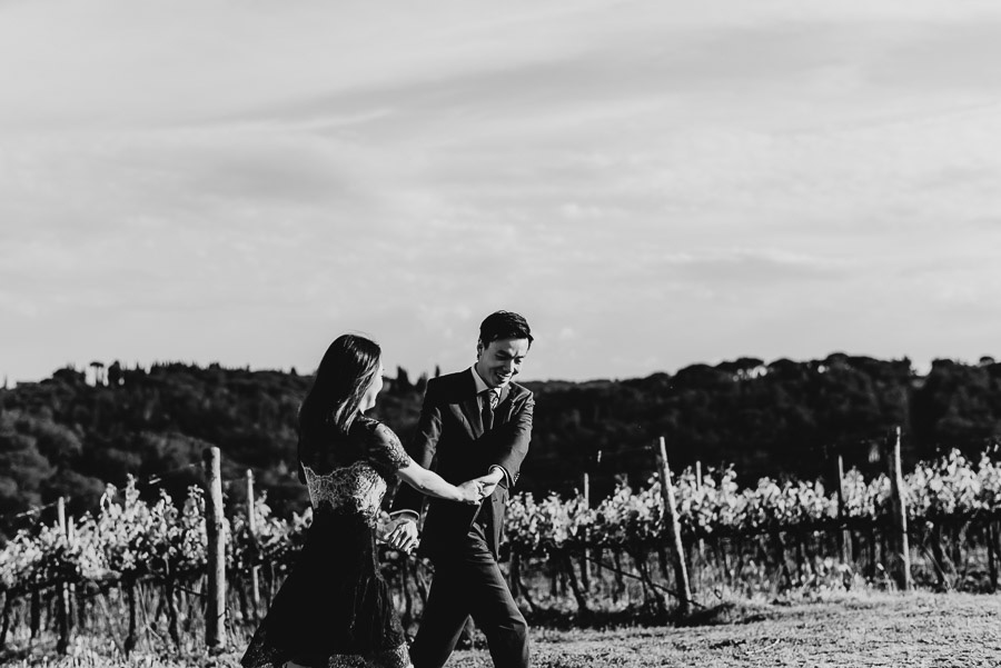 Pre Wedding Photography Italy tuscan vineyard lifestyle laid bac