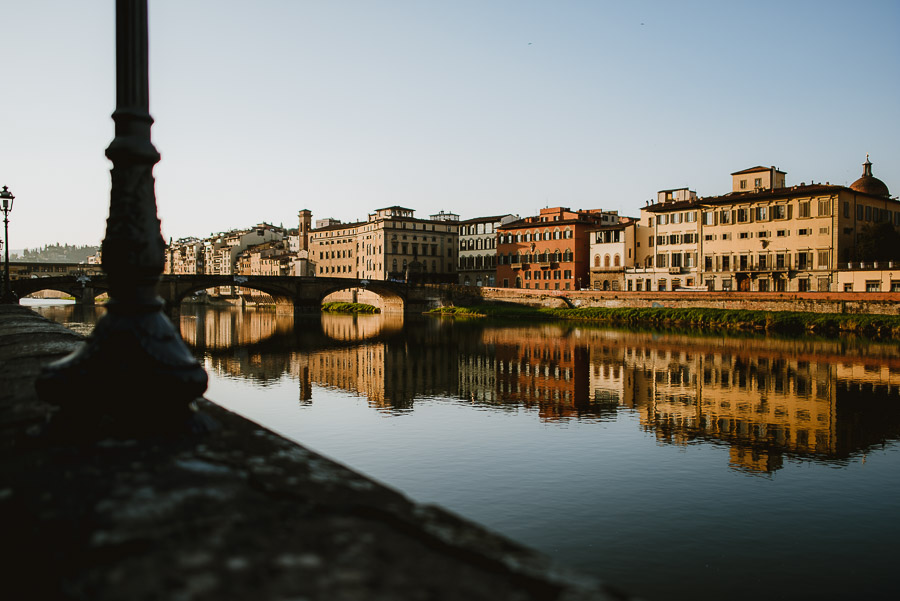000-couple-portrait-photography-florence-tuscany-italy-ponte-vecchio