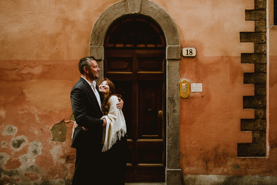 Couple portrait photography florence tuscany italy old hauses