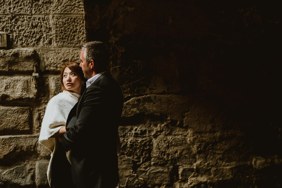 Couple portrait photography florence tuscany italy old houses