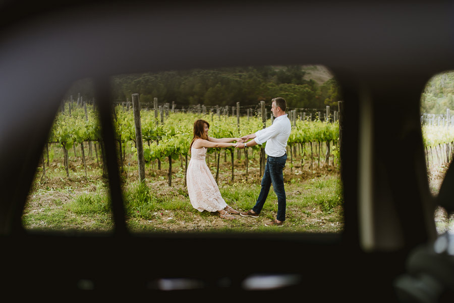 delicate Couple portrait photography florence tuscan countryside