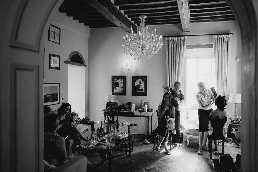 Relaxed wedding in Tuscan Villa