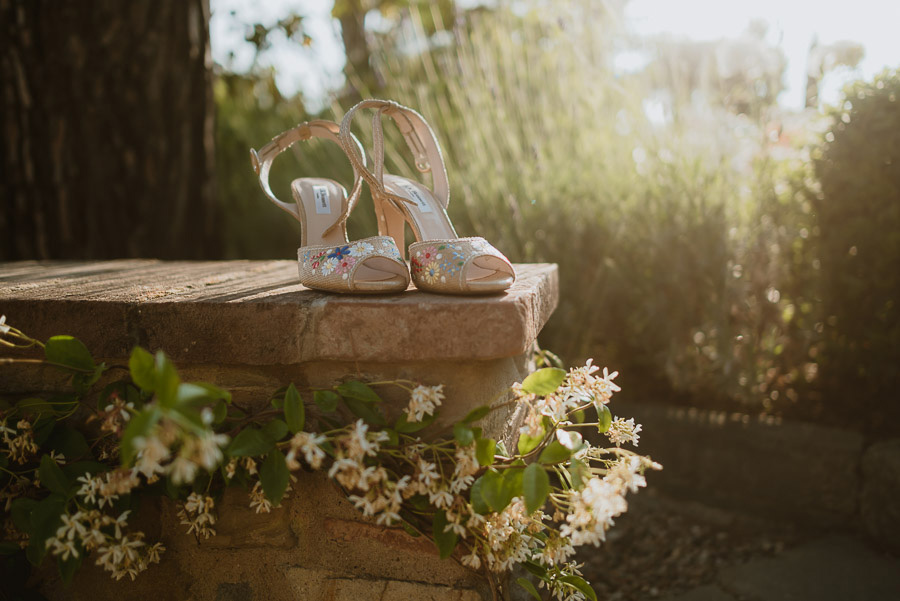 relaxed wedding in Tuscan Villa wedding shoes