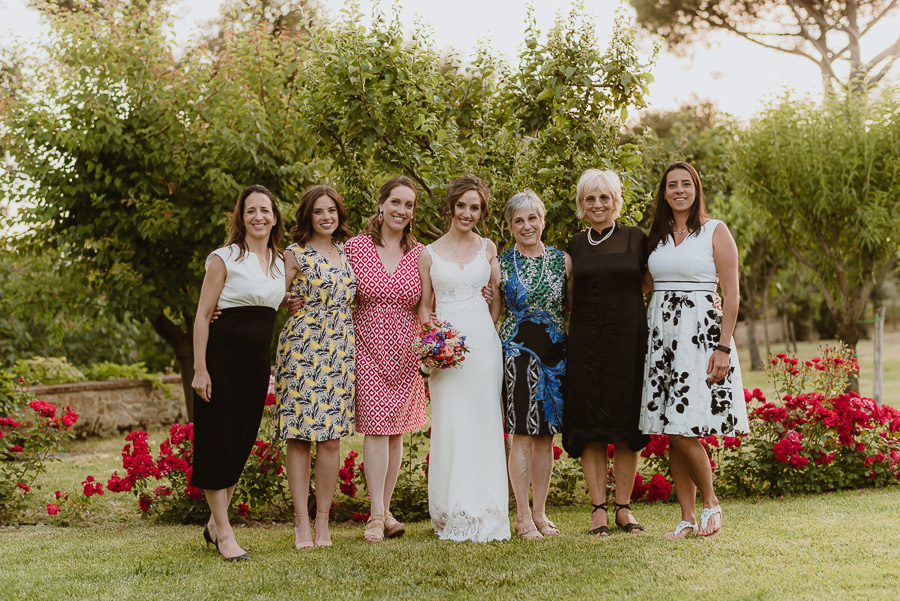 intimate wedding in Tuscan Villa relaxed family formals