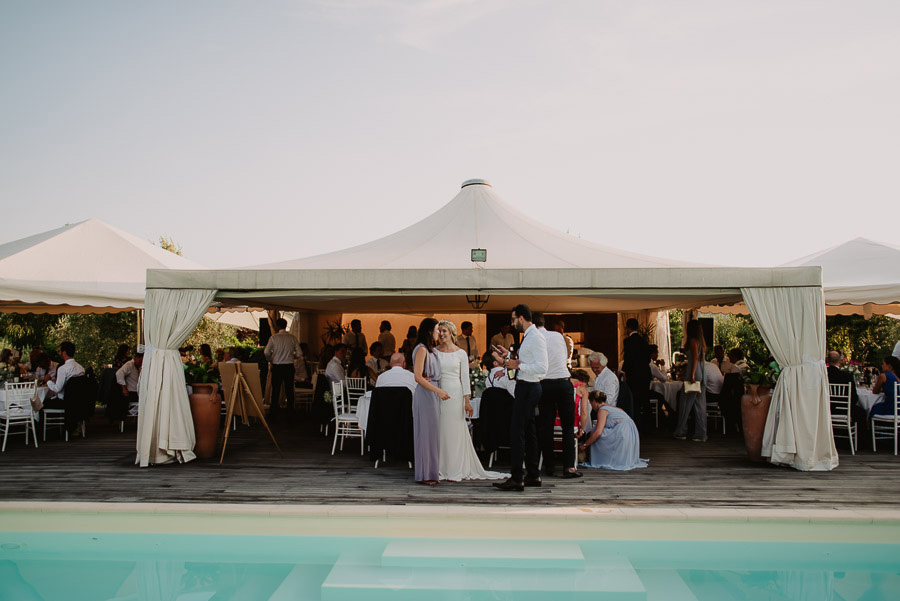 relaxed funny wedding private villa photohraphy traditional norw